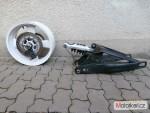 Yamaha MT01 zadní kolo  Kyvka
