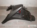 plast podsedláku, držák znaèky(Honda)