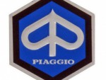 Emblém Piaggio na èelní kapotáž 26mm 142720040