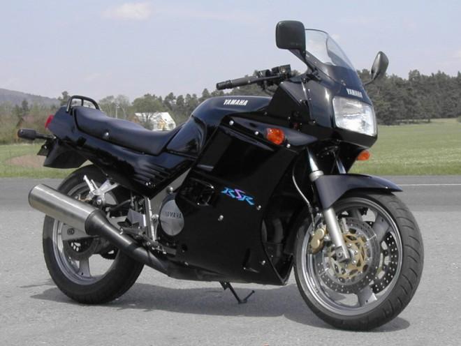Yamaha FZ 750