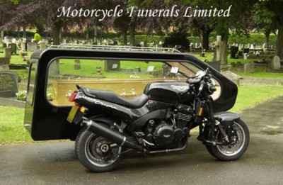 I pohøeb lze mít v motorkáøském stylu