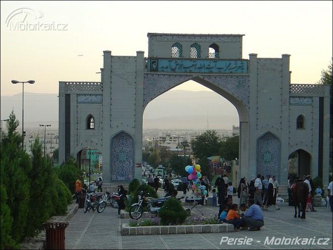 Persií v jedné stopì