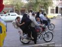 5 lidí na moto