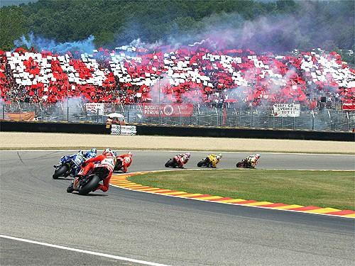 Tribuna Ducati na GP Mugello
