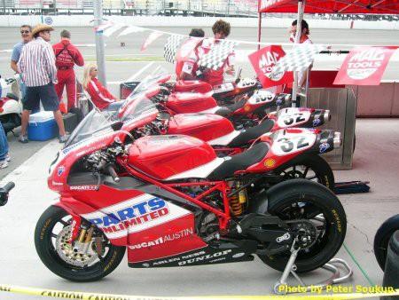 Fotky z AMA U. S. Superbike ve Fontanì