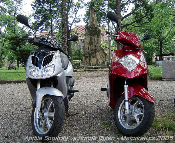 Aprilia Sportcity 200 vs. Honda Dylan 150