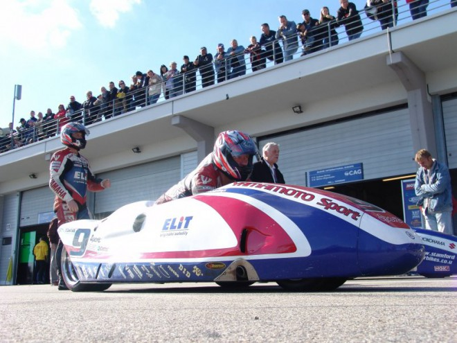 FUKI Racing Sidecare a nìmecký Sachsenring
