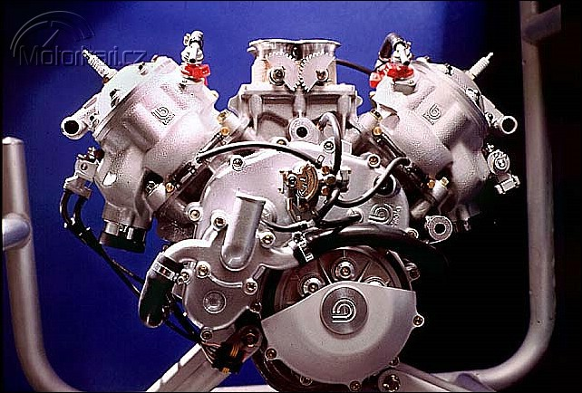 Technika motocyklu - 6. èást - motor