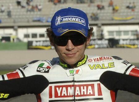 Rossi nejrychlej��m na okruhu v Monze