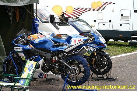 Maple Racing Team hodnotil rok 2005