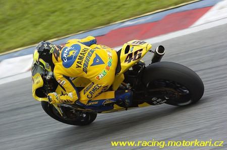 Rossi pokraèuje v ataku na titul