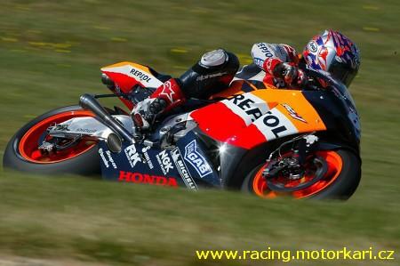 Nicky Hayden stále na èele MotoGP