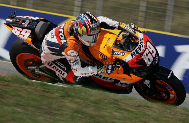 Nicky Hayden se t�� na Estoril