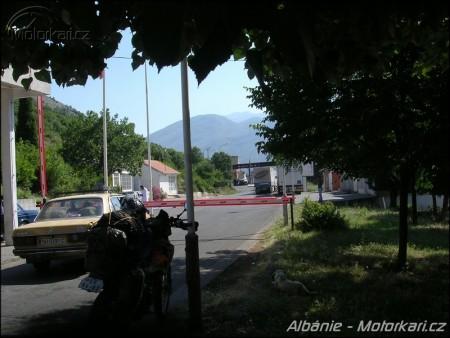 na albánské hranici