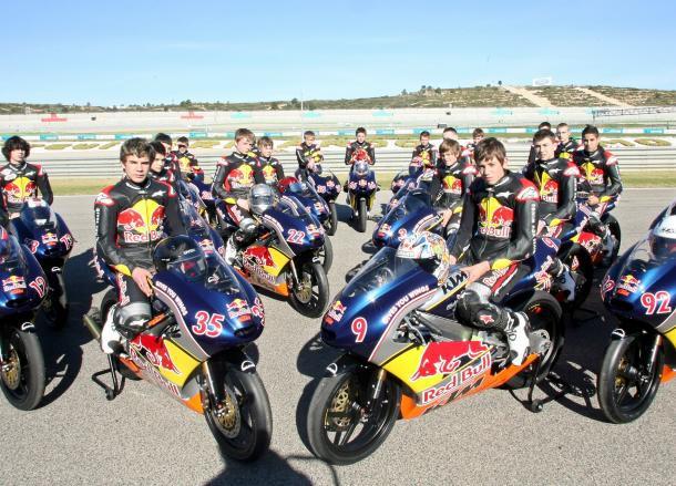 Red Bull Rookies Cup – 1. den testu ve Valencii