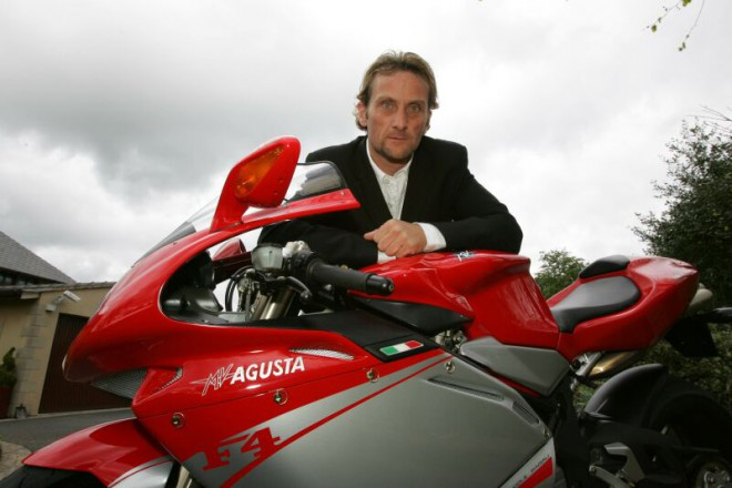 Carl Fogarty se vrací do WSBK