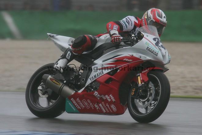 Tým Yamaha SSP testoval v Magny Cours
