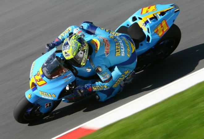 T�m Rizla Suzuki MotoGP sm��uje do Misana