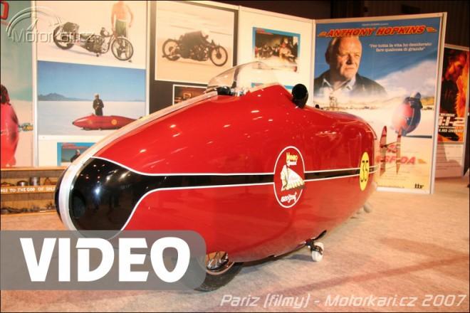 Pa��: v�stava filmov�ch motocykl� + video