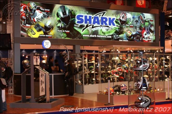 Paøíž: Helmy Shark