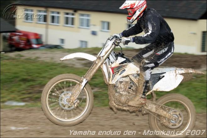 Yamaha cross den