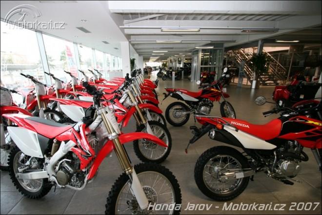 Auto Jarov = Honda + Alpinestars