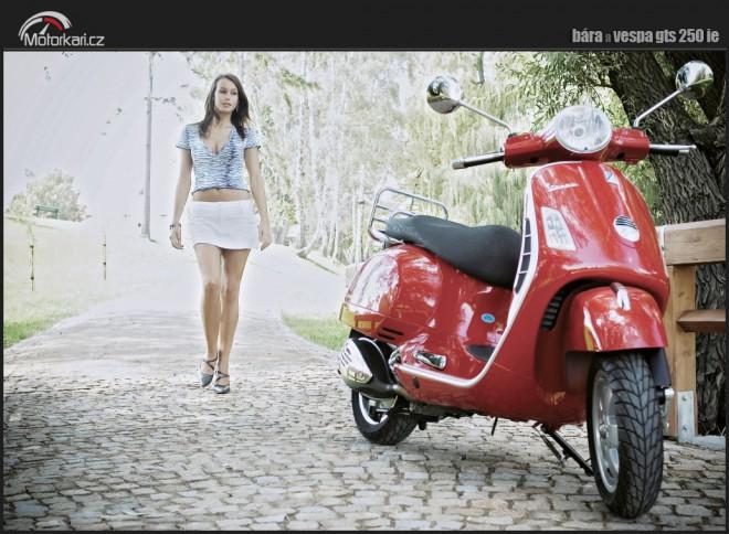 Bára & Vespa GT250ie