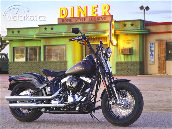 Nov� Harley-Davidson Softail Cross Bones