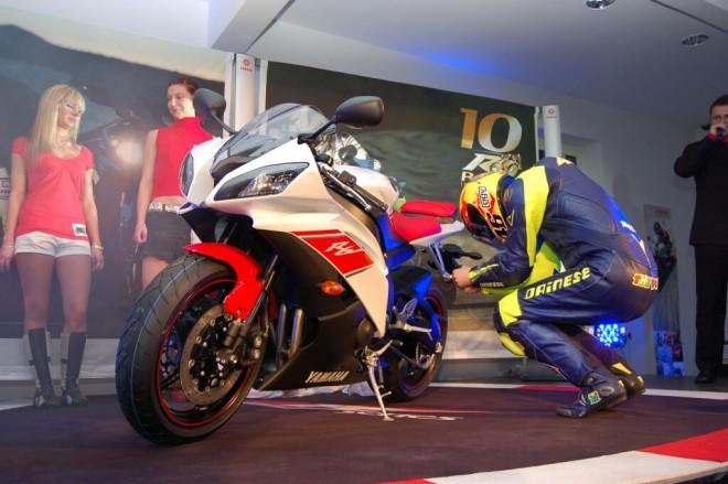 Nov� motocykl nastartoval Rossi