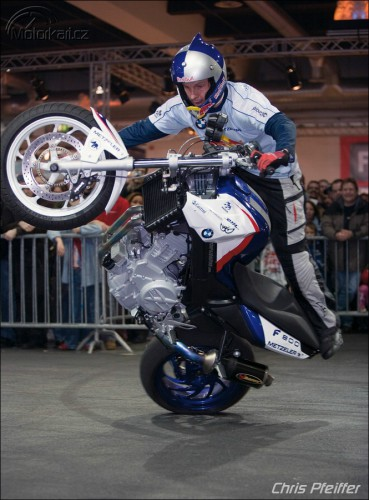Chris Pfeiffer - Streetbike Freestyle Rider
