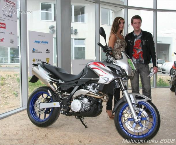 Pøedání hlavní ceny v anketì Motocykl Roku 2008