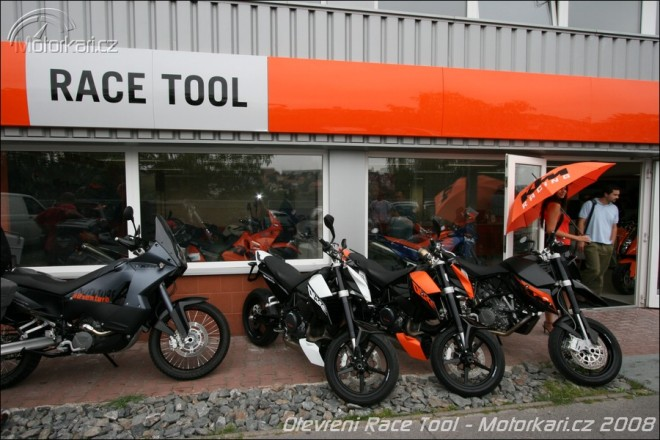Nový showroom KTM a Orange Day v Sosnové