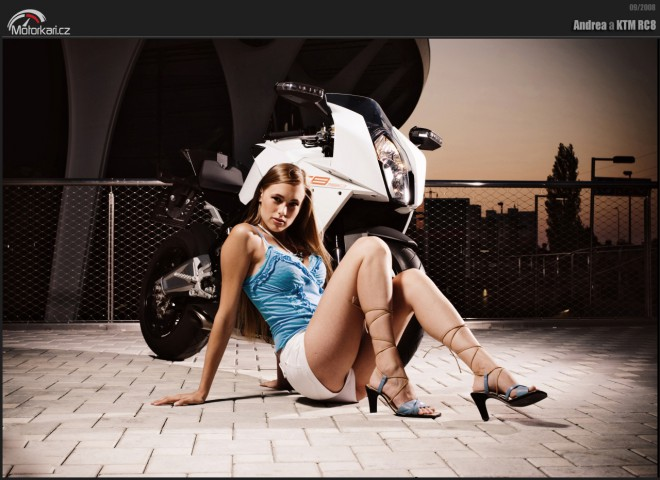 Andrea a KTM RC8