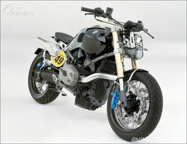 Mil�no 2008 - BMW F800R a Lo Rider