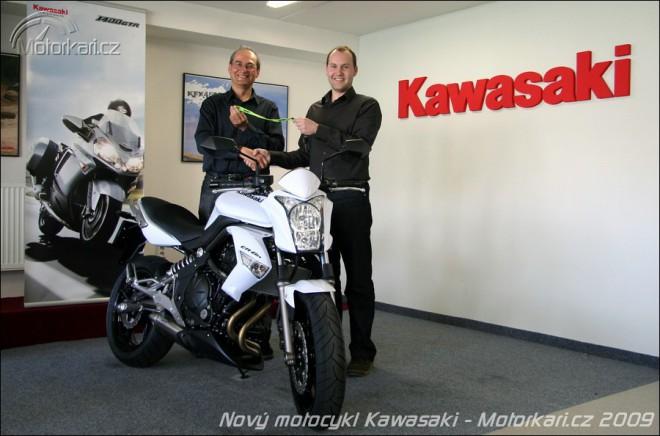Poøizujeme nový motocykl - koupì, vyzvednutí a pøihlášení