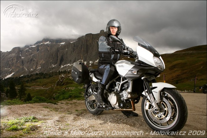 Aprilia a Moto Guzzi v Dolomitech