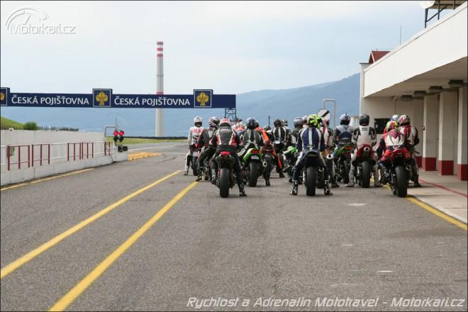 Škola jízdy na okruhu Mototravel