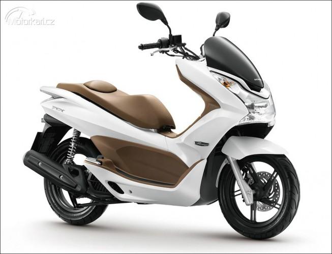 Honda PCX s automatickým vypínáním motoru