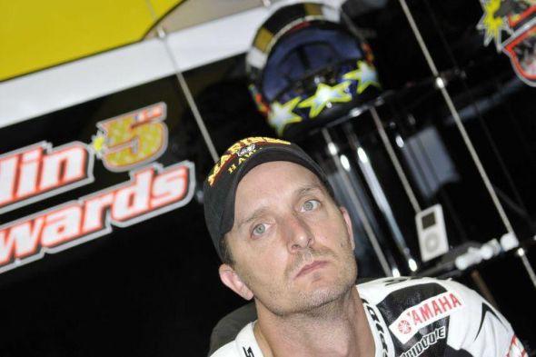 Edwards prodloužil v Tech3 Yamaha na rok 2010