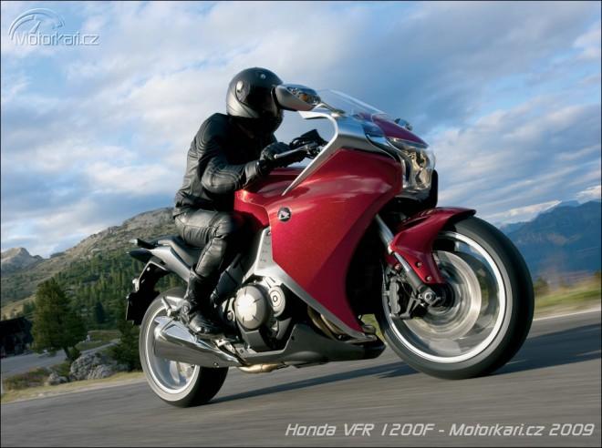 Honda VFR1200F jízda
