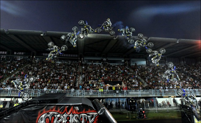 Sout� o 6 vstupenek na Night of the Jumps v Ostrav�