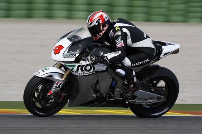 Test MotoGP: Simoncelli spoleènì s Aoyamou