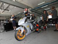 MotoGP: Aoyama a Simoncelli testuj� v Sepangu (2. den)