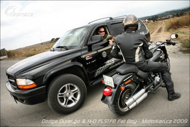 Moto&Auto po americku: H-D Fat Boy Special a Dodge Durango