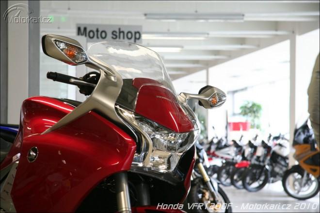 Honda VFR1200F na showroomech