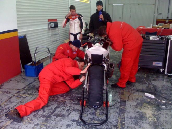 MS Racing: Prvn� testy s Aprilii ve Valencii (2.)