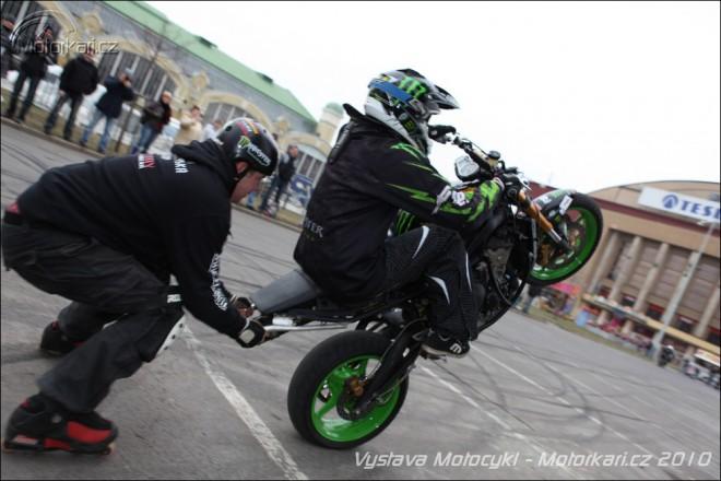 Kaskadéøi a závodní motocykly