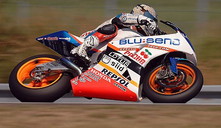 Moto2: Hernandez velkým pøekvapením testù
