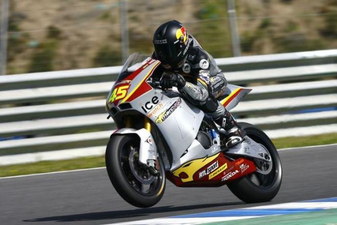 Jezdci Moto2 pøipraveni na sezónu