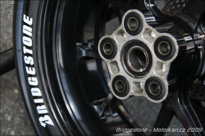Vyhraj sadu pneumatik Bridgestone Battlax BT-023